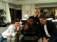 Allan Zavod, wife Christine and son Zak visiting with George Benson in Hotel room - click to see an enlarged version of this image