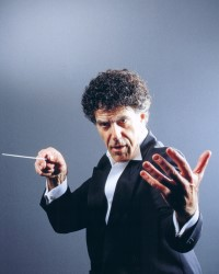 Conductor Allan Zavod - click to see an enlarged version of this image